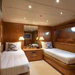 12.IDYLLETwin cabin