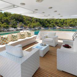 4.IDYLLE Upper deck