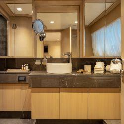 7684 MASTER BEDROOM WC
