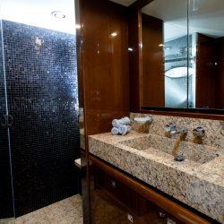 Double cabin bath