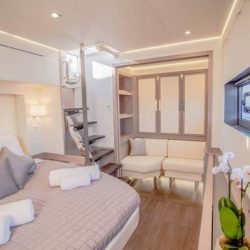 FOUNTAINE-PAJOT-POWER-67-CABINS-01