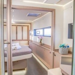 FOUNTAINE-PAJOT-POWER-67-CABINS-05