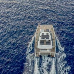 FOUNTAINE-PAJOT-POWER-67-VERTICAL-02