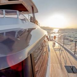 FOUNTAINE-PAJOT-POWER-67-VERTICAL-06