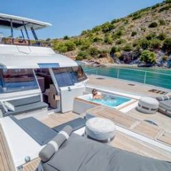 FOUNTAINE-PAJOT-POWER-67-VERTICAL-14