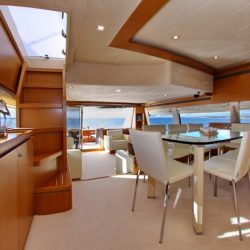 Ferretti780_TESORO_interior_dining_area