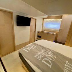 Prestige 550 Floria_Master cabin2