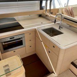 Prestige 550 Fly_Kitchen1