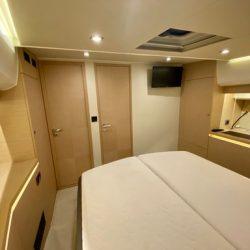 Prestige 550 Fly_VIP Forward cabin1