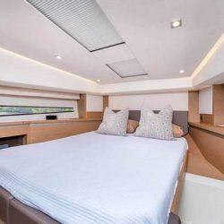Prestige460_Forward_double_bed_cabin