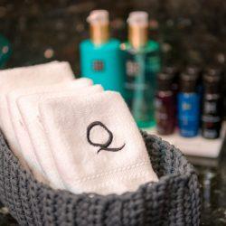 QUANTUM_Bathroom_cosmetics1
