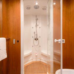 QUANTUM_Master_cabin_steam_shower