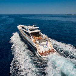 QUANTUM_cruising_stern_view