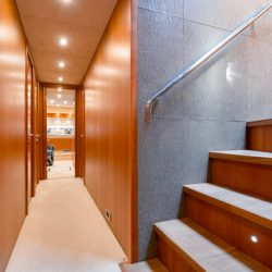 QUANTUM_hallway