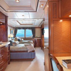 Twin main deck